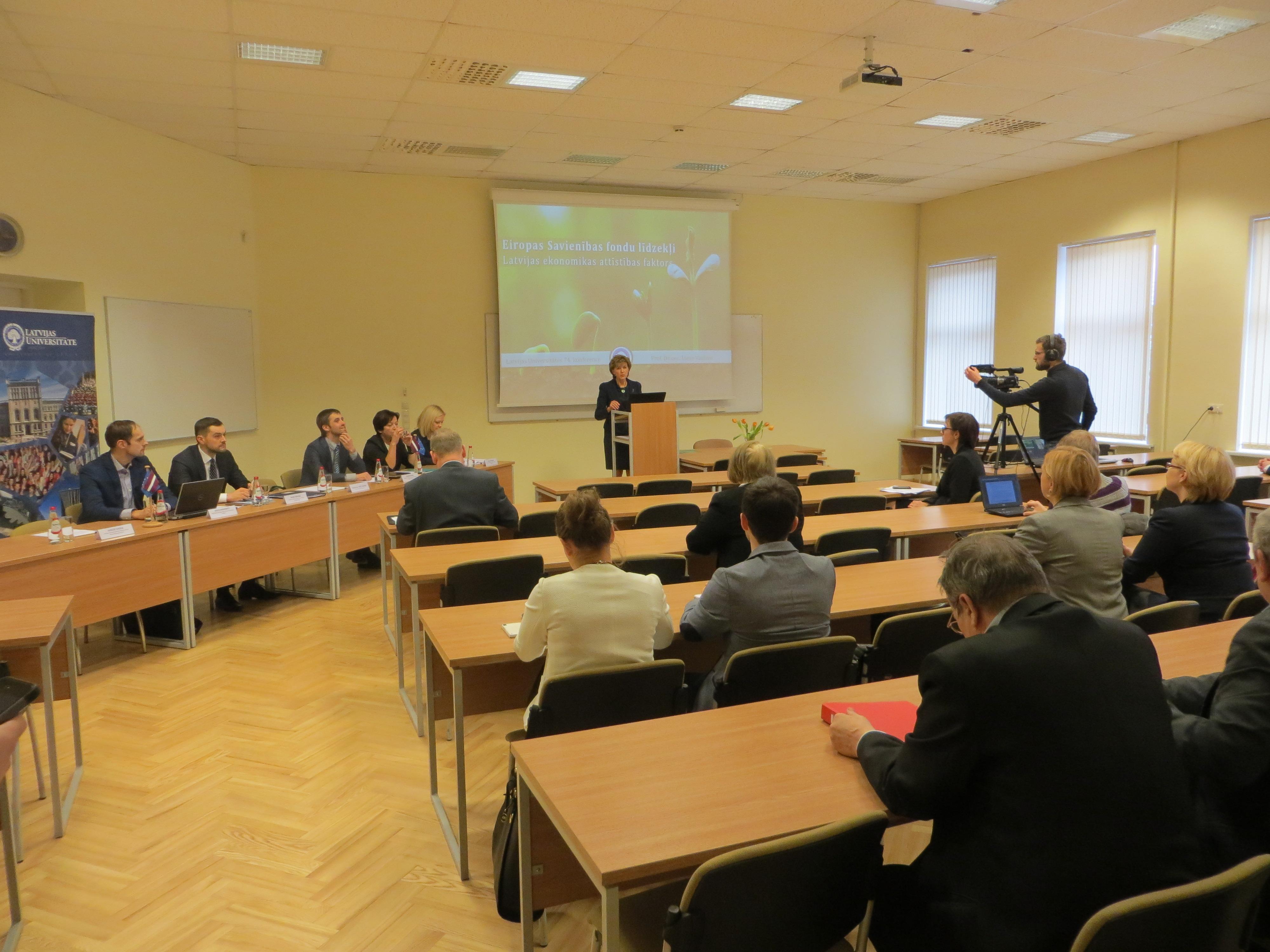 """Latvijas Universitātes 74. konferences diskusija """"ES fondu līdzekļi – Latvijas ekonomikas attīstības faktors"""""""