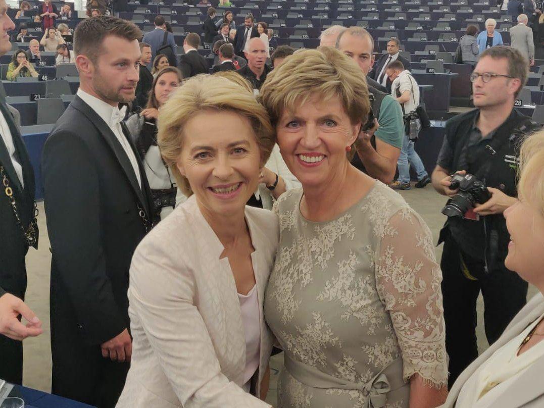 Ar jaunās Eiropas Komisijas priekšsēdētāju Urzulu fon der Leienu